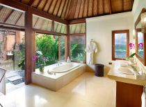 Villa Bougainvillea, Guest Bathroom 2